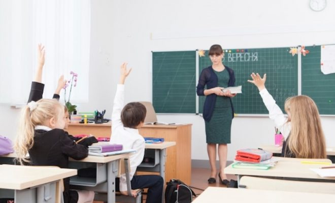 授業参観 小学校保護者の服装