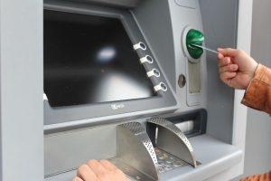 銀行のATMでお金を落として(忘れて)しまった時の対処法